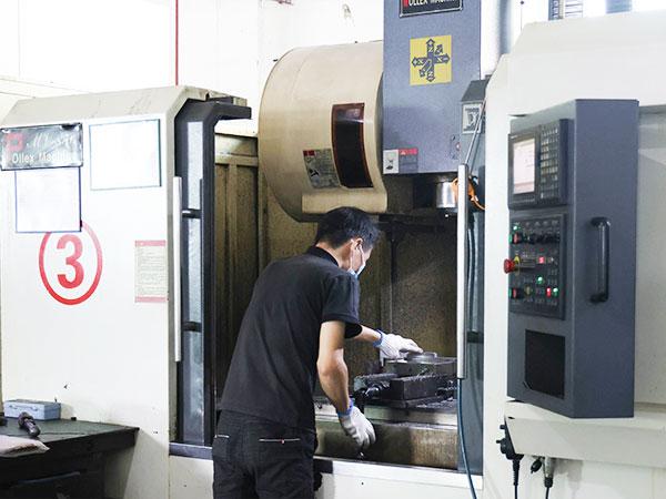 乐麒腾-公司车间生产